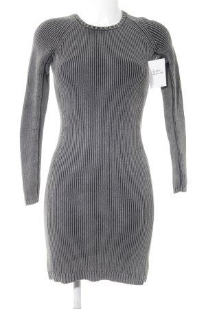 COS Strickkleid grau-schwarz Casual-Look