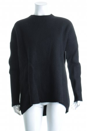COS Strickpullover schwarz Street-Fashion-Look