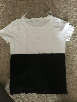COS T-Shirt in schwarz weiß