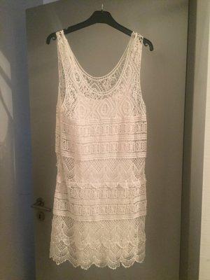 Costes- Weißes Häckel-Sommerkleid
