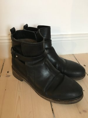 Costume National Ankle Boots GR. 38 schwarz