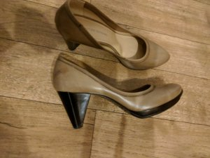 Costume National fast neue Pumps