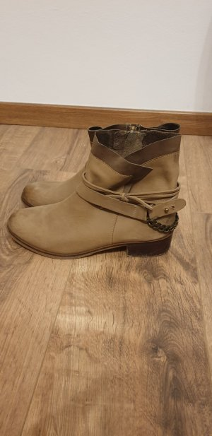 Cox Desert Boots light brown