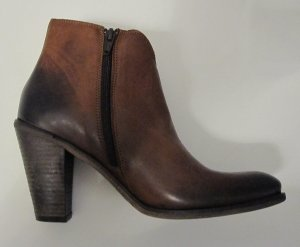 Cowboy Boots braun in used-look aus leder