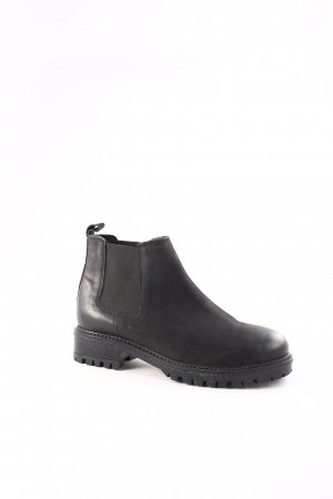 Cox Chelsea Boots schwarz Street-Fashion-Look