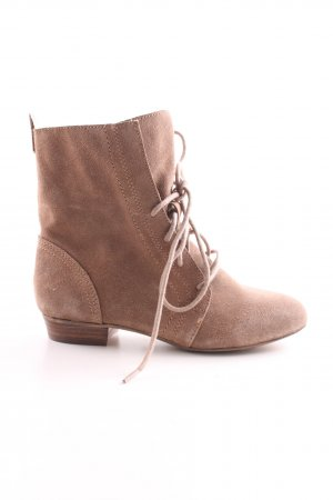 Cox Lace-up Boots brown casual look