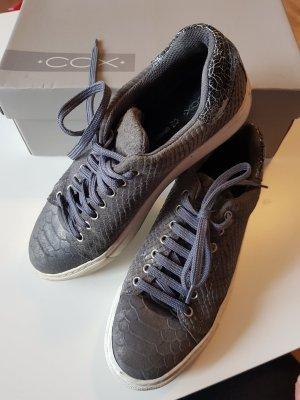 cox sneaker 38