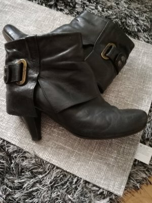 Cox Zipper Booties black leather