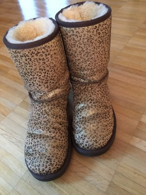 Crazy Original UGG Boots in angesagtem Leoprint aus Fell