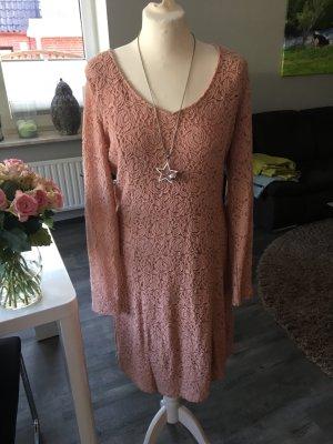 Cream Kleid