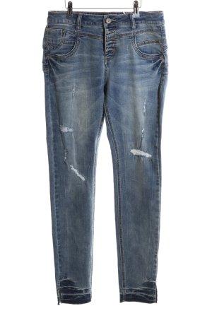 Cream Skinny Jeans blau Street-Fashion-Look