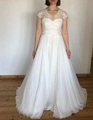 Creme Brautkleid mit Spitze und Chiffon Rock in Größe 38 *neu, nicht geändert*