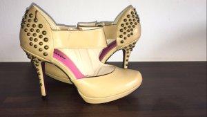 Creme bullboxer high heels mit Etikett