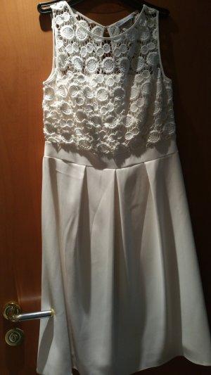 Gina Bacconi Lace Dress natural white
