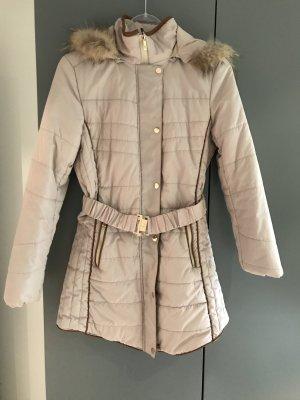 Creme-/ Taupefarbener Mantel