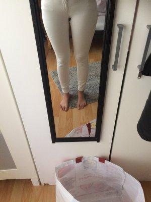 Creme, weiße Jeans