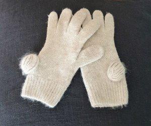 creme-weiße Strickhandschuhe von H&M