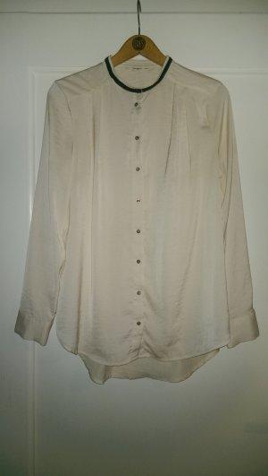 Cremefarbene Bluse mit schlicht verziertem Kragen *Blogger-Teil*