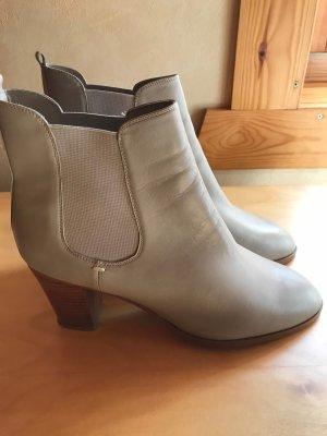 Cremefarbene Boots