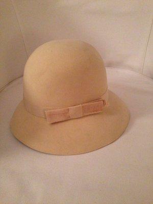 Cappello in feltro crema