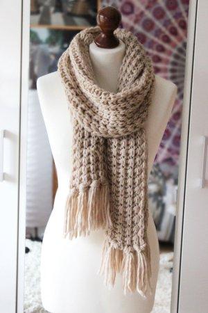 Cremefarbener Strickschal Tally Weijl Winter warm