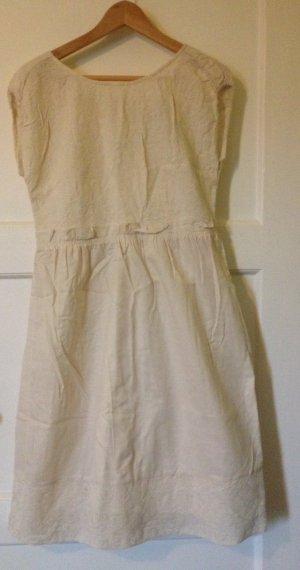 Cremefarbenes Baumwollkleid mit aufwendiger Stickerei von MARC BY MARC JACOBS