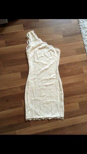 Cremefarbenes Kleid