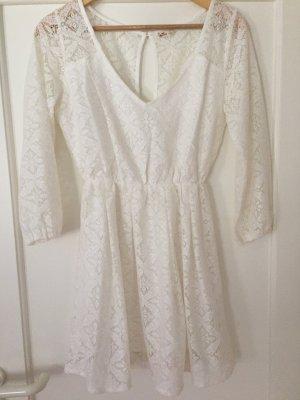 Cremefarbenes Kleid von Hollister in Größe S.