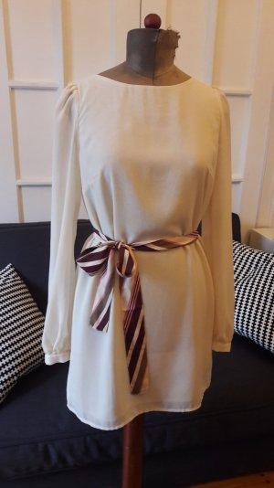 cremefarbenes kurzes Kleid