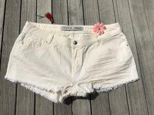 cremeweiße Hotpants, perfekt für den Sommer (neu)