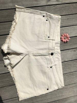 cremeweiße Hotpants, perfekt für den Sommer von Mango (neu)