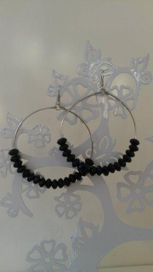Creolen mit schwarzen Perlen