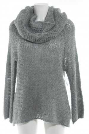 Cristina Gavioli Poncho grey loosely knitted pattern fluffy