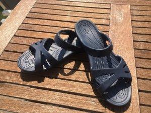 Crocs Badeschlappen / Sandalen Gr. 8 (39) dunkelblau
