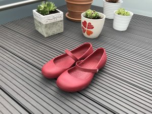 Crocs Mary Jane Pumps red