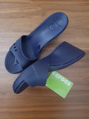 Crocs Pantolette Keilabsatz dunkelblau Gr. 39 Neu