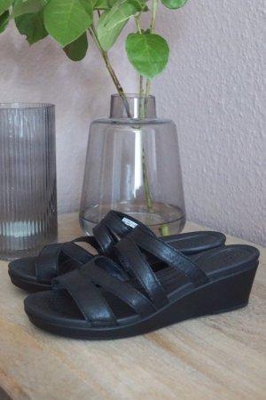Crocs Sandalo con cinturino e tacco alto nero