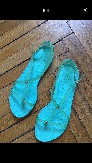 Crocs Sandales à lanière turquoise