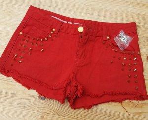 Crop Hotpants cropped Shorts rot Nieten in Gold Biker look
