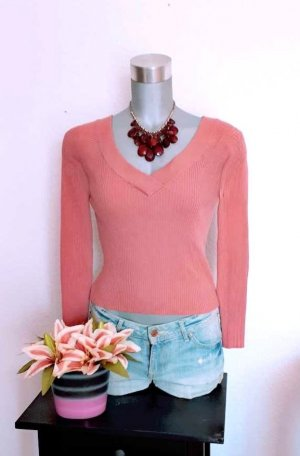 H&M V-Neck Sweater pink