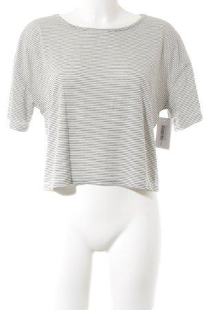 Camisa recortada blanco-azul oscuro estampado a rayas look casual