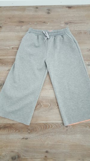 Cropped Sporthose von Pull&Bear