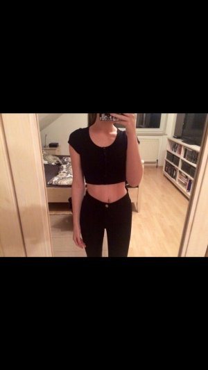 Cropped T-Shirt in Schwarz - American Apparel