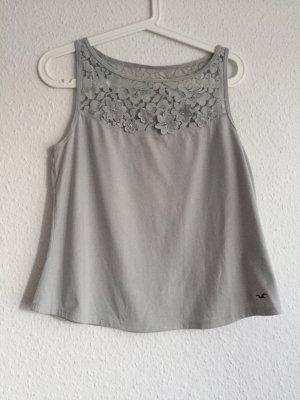 Cropped Top *Hollister* Spitzenteil oben, aufgesetzte Blüten, Perlenbestickt