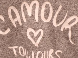 "Cropped Top ""L' amour <3 toujours"""