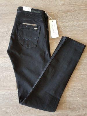 Cross Jeans Adriana in schwarz