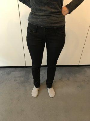 Cross Jeans in schwarz