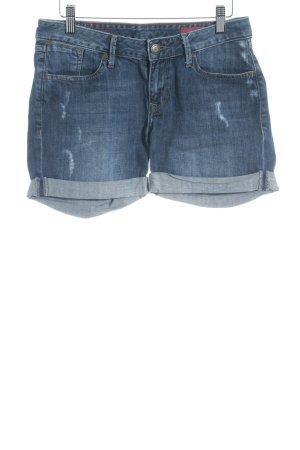 Cross Denim Shorts dark blue beach look