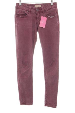 Cross Skinny Jeans red casual look