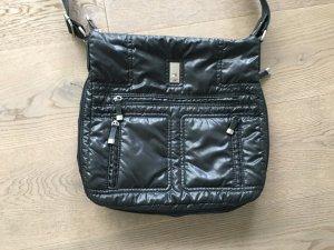 Crossbodybag von Hilfiger mit drei Außentaschen
